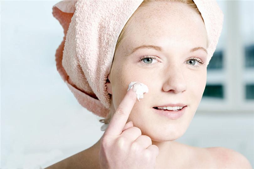 怎样洗脸对激素依赖性皮炎有好处 赵桂荣专家解答